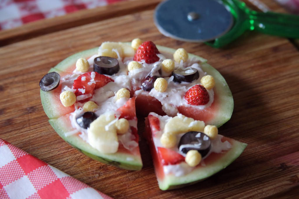 Watermelon pizza - such a cute snack!